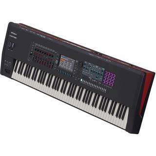 Roland Fantom-8 synthesizer 88 toetsen