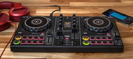 Pioneer launches DDJ-200 with Spotify intergration for only €139