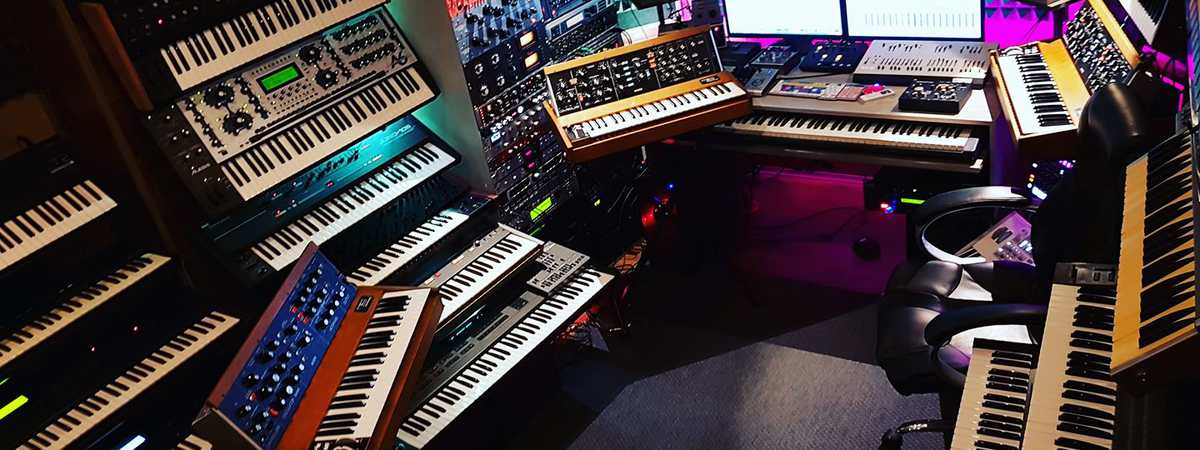 Interview with Adam from Mavooi Studio 'the synthesizer freak'