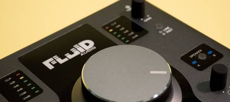 Review: Fluid Audio SRI-2 audio interface en monitor controller